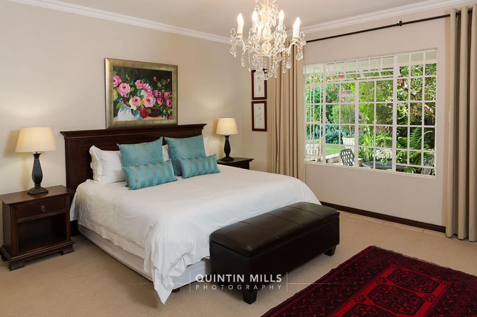real estate and interiors photographer
